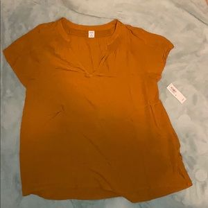 NWT size XS top from old navy